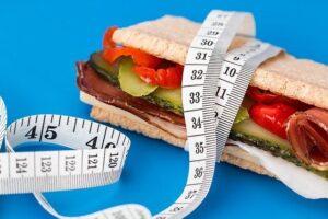 칼로리 다이어트-샌드위치-줄자