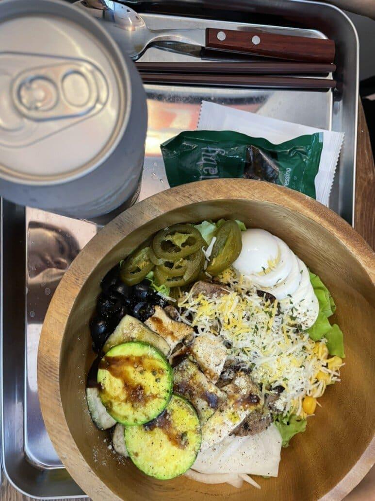 목살스테이크+구운야채 add 양파 후레이크 2
